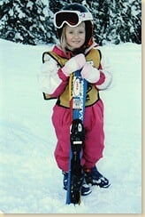 Lara på ski - full størrelse