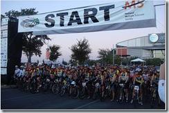 Team Velo Valero at the Start
